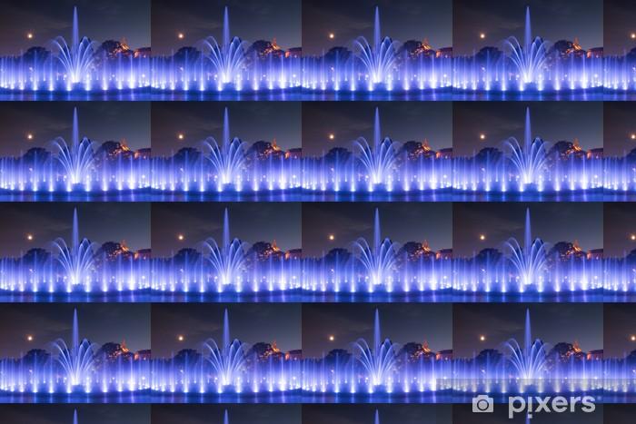 Vinyltapete nach Maß Das beleuchtete Springbrunnen bei Nacht - Europa
