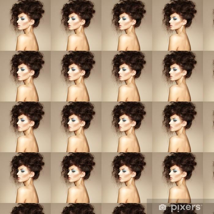 Vinylová tapeta na míru Portrét krásné smyslné ženy s elegantní účes. Na - Osud