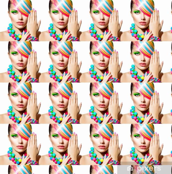 Vinyltapete nach Maß Beauty Girl Porträt mit bunten Make-up, Haar-und Zubehör - Frauen