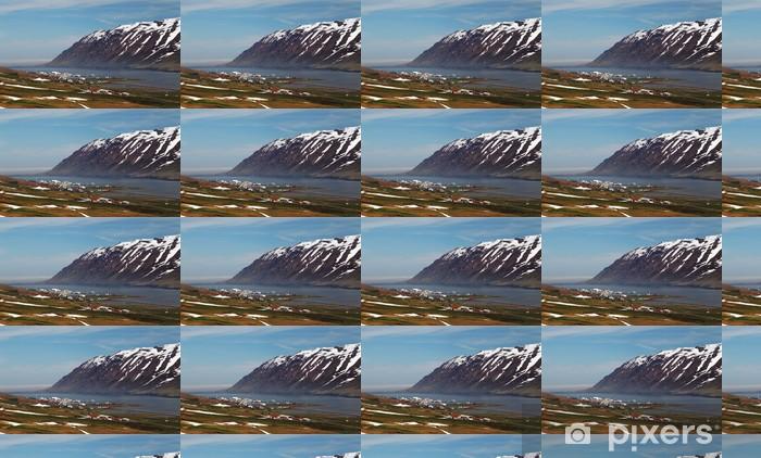 Tapeta na wymiar winylowa Góry fiord prądu Islandii na wiosnę - Europa