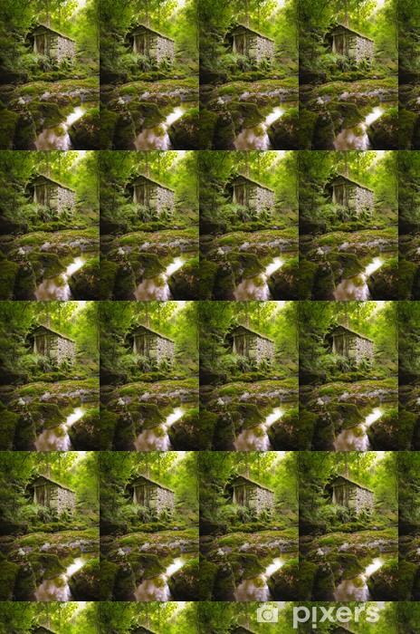 Vinyl behang, op maat gemaakt Oude stenen huis in een groen bos - Landbouw