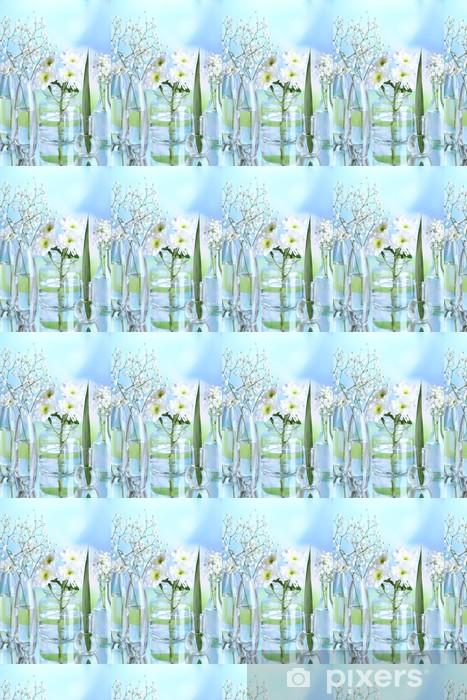 Spesialtilpasset vinyltapet Planter i ulike glassbeholdere på naturlig bakgrunn - Blomster