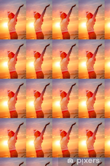 Vinylová tapeta na míru Radost svobodu a život na západ slunce - Úspěch