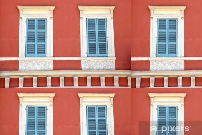 Vinylová Tapeta Stará francouzská modrá okna závěrky v červeném domě, Nice, Francie. - Evropa
