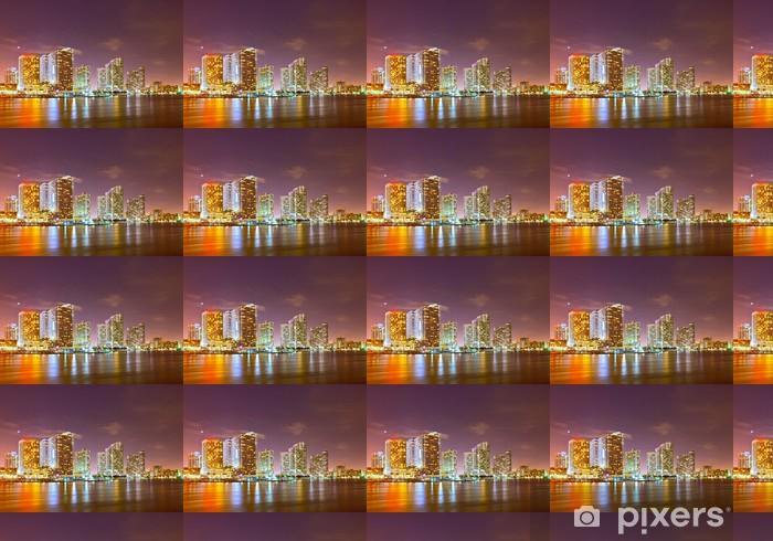 Papier peint vinyle sur mesure Ville de Miami en Floride, horizon de nuit. - Amérique