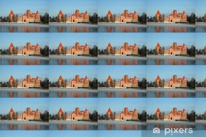 Papier peint vinyle sur mesure Château de Trakai en saison d'hiver - Thèmes