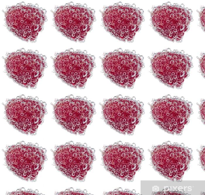 Tapeta na wymiar winylowa Świeże maliny z bąbelkami wody na białym tle - Owoce
