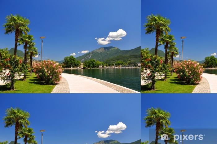 Vinyl Behang De stad Riva del Garda.Italy - Europa