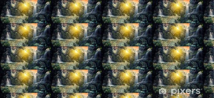 Papier peint vinyle sur mesure Cascade tropicale surréaliste - Eau