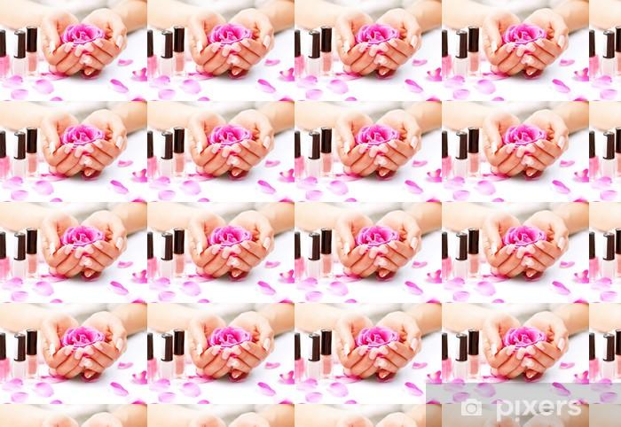 Tapeta na wymiar winylowa Manicure i Hands Spa. Piękna kobieta Ręce Zbliżenie - Uroda i pielęgnacja ciała