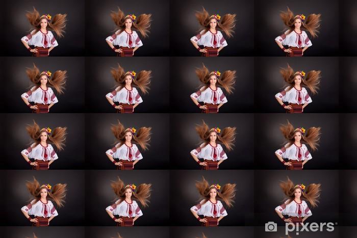 Tapeta na wymiar winylowa Portret piękne Dziewczyna z pływających brązowe włosy. Kobieta nosi - Kobiety