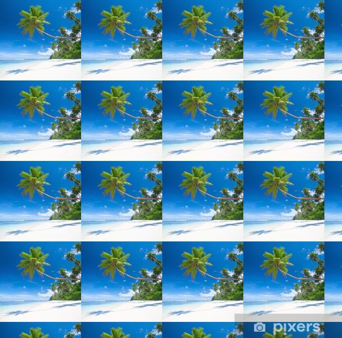 Vinylová tapeta na míru Tropický ráj s palmami blues moře a bílý písek - Palmy