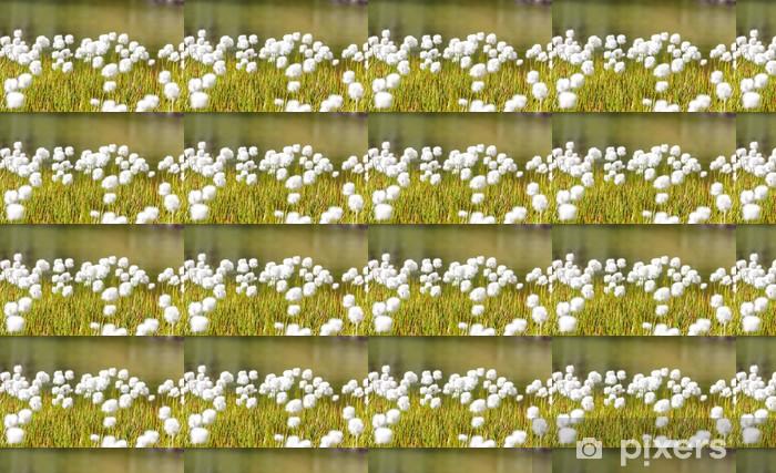 Papier peint vinyle sur mesure Champ d'herbe et de fleurs des bourgeons - Plantes