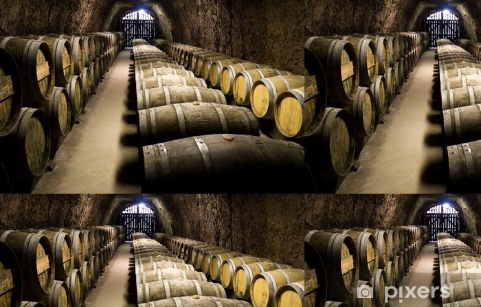 Papier peint à motifs vinyle Les tonneaux de vin dans la cave. Grand angle de vue. - Alcool