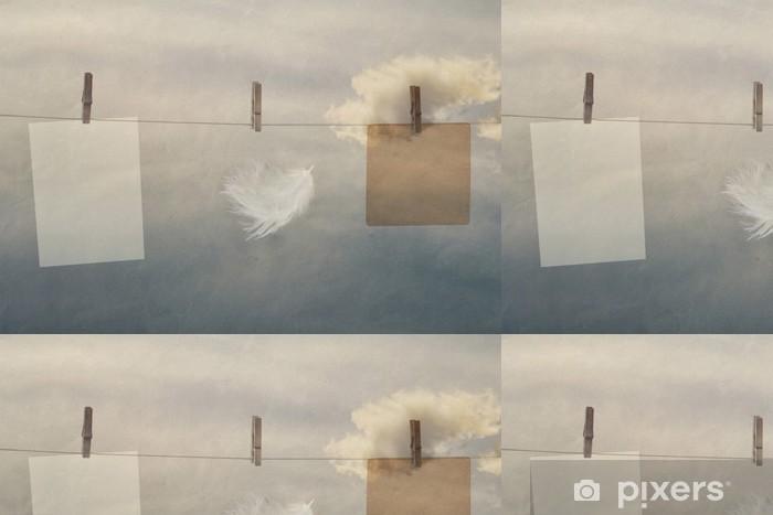 Vinylová Tapeta Foto rámeček ze starého papíru na laně s kolíčky - Struktury
