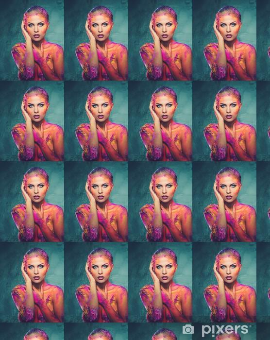 Vinylová tapeta na míru Krásná mladá žena s koncepčním barevné body art - Žena