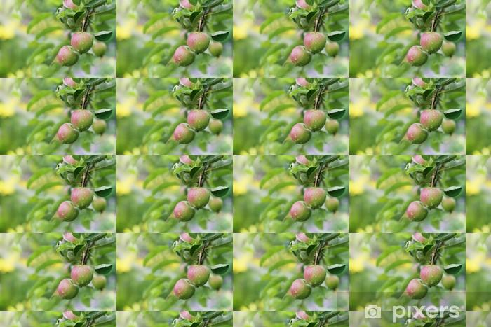 Papel pintado estándar a medida Las manzanas en el jardín después de la lluvia. - Estaciones