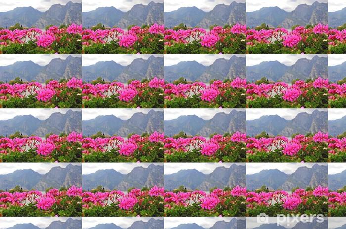 Tapeta na wymiar winylowa Kwiaty i góry. - Krajobraz wiejski