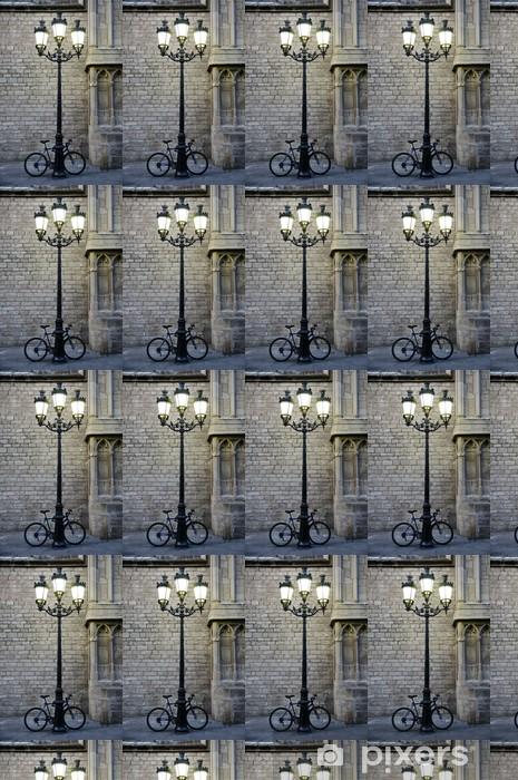 Papier peint vinyle sur mesure Vélo garé à côté d'un lampadaire - Vélos