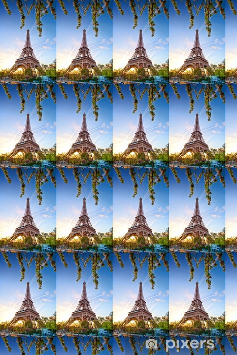 Papier peint vinyle sur mesure Tour Eiffel contre le lever du soleil à Paris, France - Thèmes