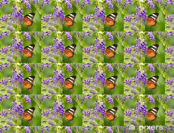 Papier peint vinyle sur mesure Papillon sur une fleur violette - Autres Autres
