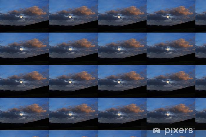 Papier peint vinyle sur mesure Lune parmi les nuages - Espace
