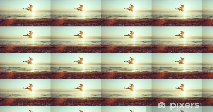 Vinyltapete nach Maß Fliegenden Kick am Strand - Themen