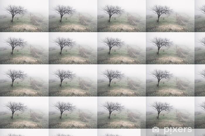 Papier peint vinyle sur mesure Brouillard sur le terrain - Campagne