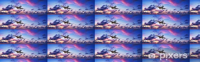 Papier peint vinyle sur mesure Plan de Jet dans un ciel de coucher de soleil spectaculaire - Thèmes