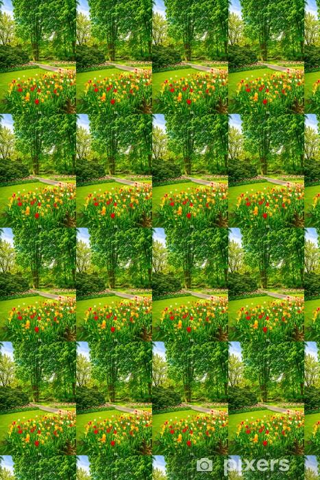 Papier peint vinyle sur mesure Jardin à Keukenhof, tulipe fleurs et arbres. Pays-Bas - Europe