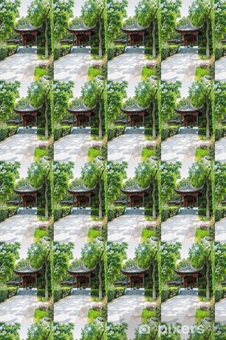 Papier peint vinyle sur mesure Le pavillon dans le jardin traditionnel chinois - Bâtiments publics
