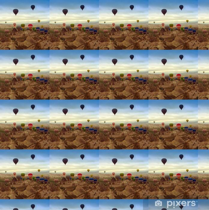 Tapeta na wymiar winylowa Balon w górach - Transport powietrzny
