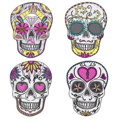 Sticker mural Crâne mexicain réglée. Crânes colorés avec des fleurs et coeur ornementation