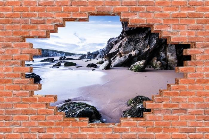 Fototapeta winylowa Dziura w murze - Wybrzeże we Francji. - Dziury w ścianie
