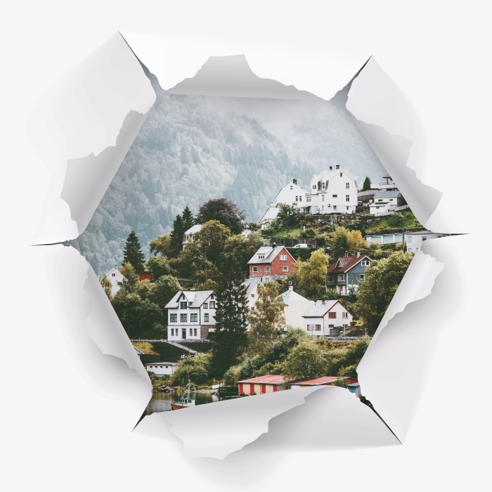 Fototapeta winylowa Dziura w ścianie - Mgliste góry. - Dziury w ścianie