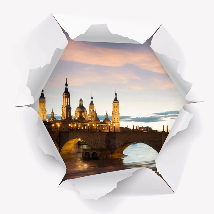 Fototapeta winylowa Dziura w ścianie - Katedra. Hiszpania. - Dziury w ścianie