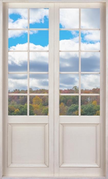 Vinyl-Fototapete Weißer Tür - Herbst - Blick durch die Tür