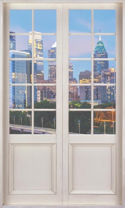 Fotomural Estándar Puerta blanca - Philadelphia en la noche - Vistas a través de la puerta