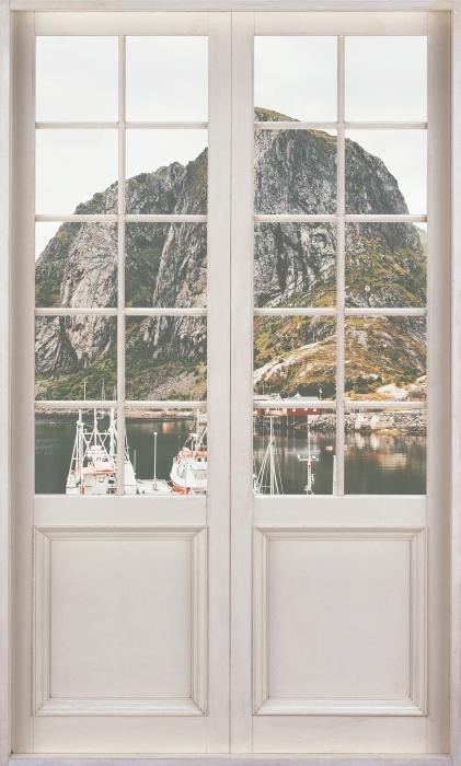 Fototapeta winylowa Białe drzwi - Krajobraz. Norwegia - Widok przez drzwi
