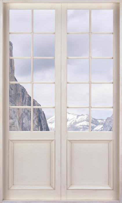 Fototapeta winylowa Białe drzwi - Park Narodowy Yosemite - Widok przez drzwi