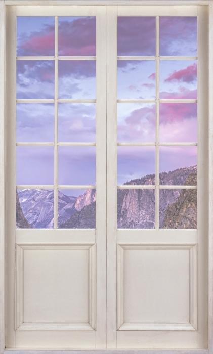 Vinyl Fotobehang White door - Yosemite National Park - Uitzicht door de deur