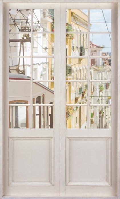 Fotomural Estándar Puerta blanca - Lisboa. - Vistas a través de la puerta