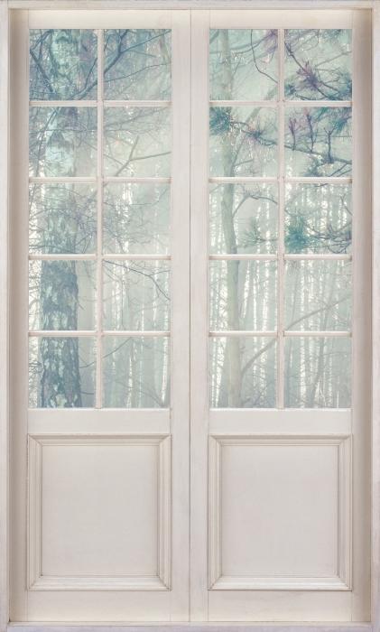 Vinyl-Fototapete Weißer Tür - Wald im Nebel - Blick durch die Tür