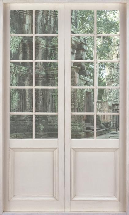 Fototapeta winylowa Białe drzwi - Kambodża - Widok przez drzwi
