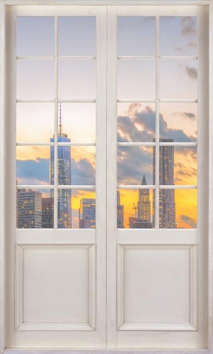 Papier peint vinyle Porte Blanche - Pont De Brooklyn - La vue à travers la porte