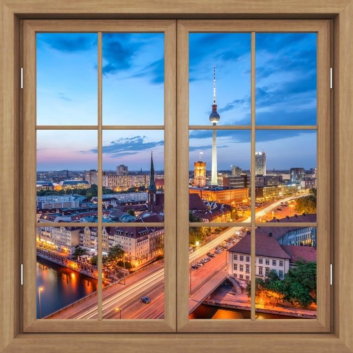 Fototapeta winylowa Okno brązowe zamknięte - Widok na Berlin - Widok przez okno