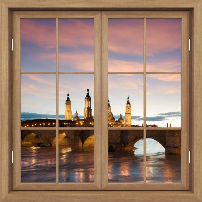 Papier peint vinyle Brown A Fermé La Fenêtre - Cathédrale. Espagne. - La vue à travers la fenêtre