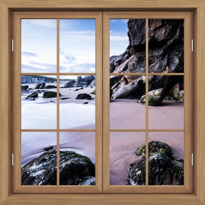 Fototapeta winylowa Okno brązowe zamknięte - Wybrzeże we Francji. - Widok przez okno