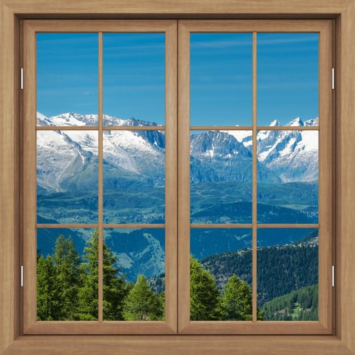 Fototapeta winylowa Okno brązowe zamknięte - Panorama wysokich górach - Widok przez okno