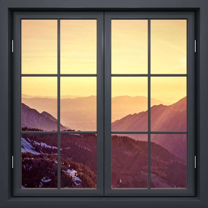Papier peint vinyle Fenêtre Noire Fermée - Coucher De Soleil Dans Les Montagnes - La vue à travers la fenêtre